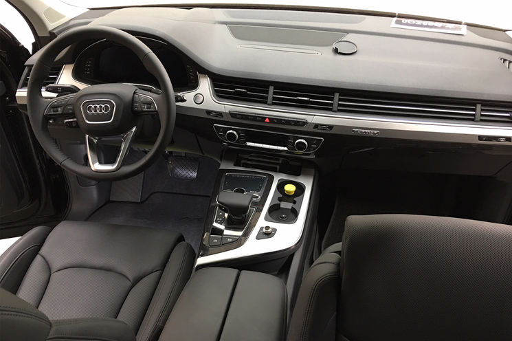 Drive by Wire Technologie Audi Q7 Innenraum
